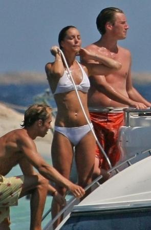 kate middleton nose. kate middleton bikini